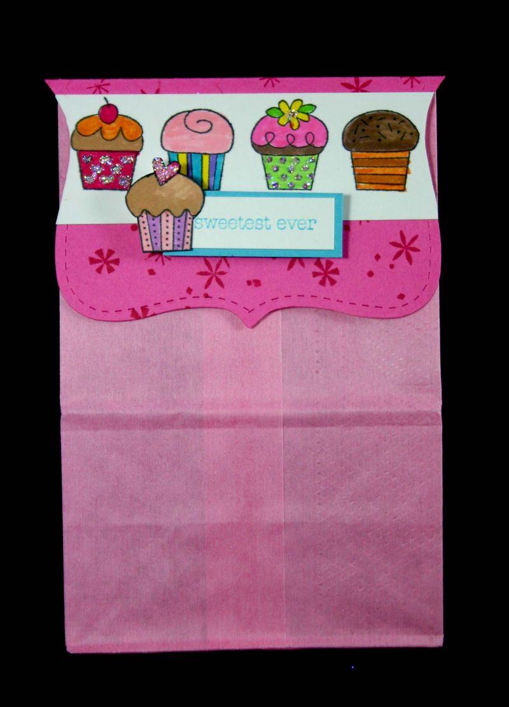 Bag topper cupcakes 3- dana newsom