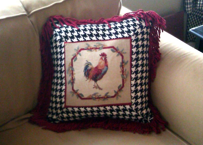 Rooster pillow 1