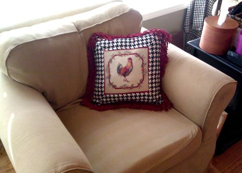Rooster pillow 2