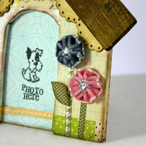 Shaggy chic dog house detail 3 - dana newsom